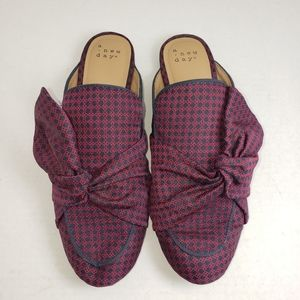A New Day Red Plaid Slip-On Mules Sz 8.5